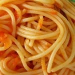 spaguetti con pure de tomate