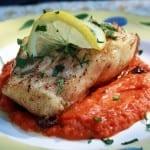 filete de pescado en salsa de pimientos