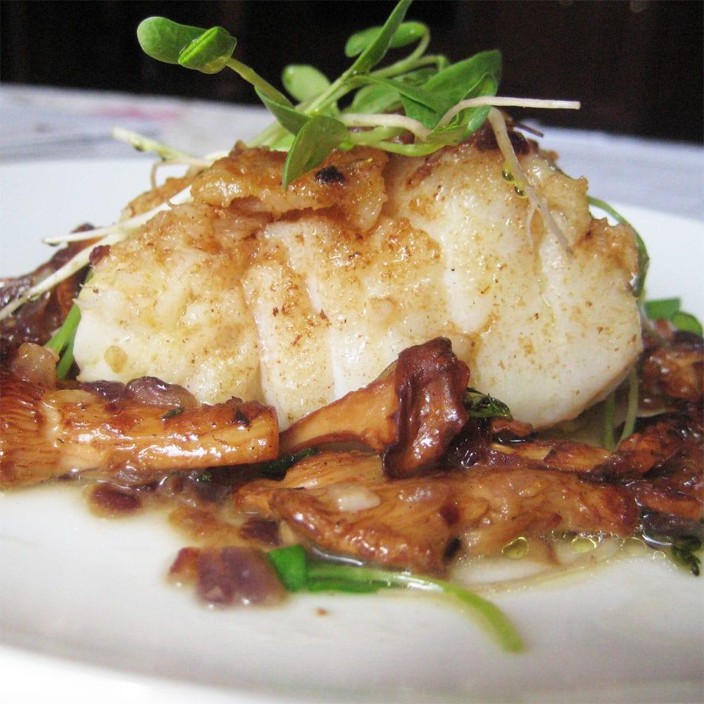 рыба толстолобик фото речная или морская