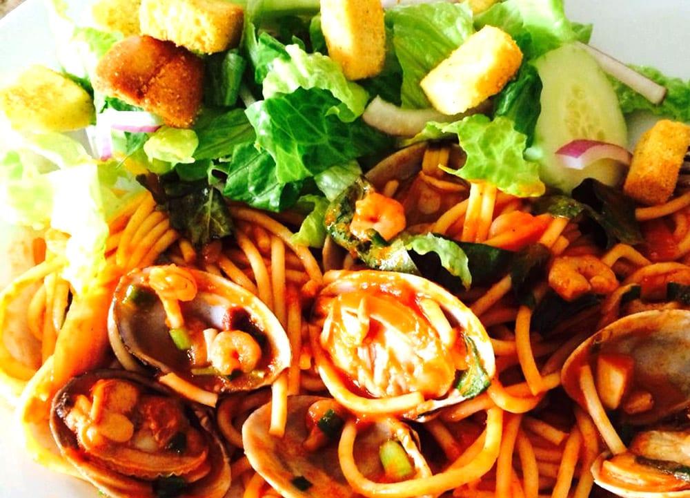 Espagueti con camarones y almejas recetas mexicanas for Como cocinar espagueti