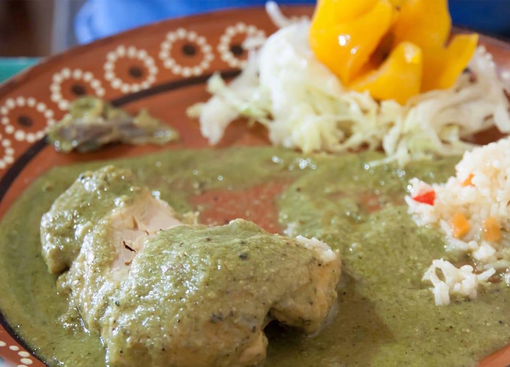 Mole de Pollo Mexicano Pollo en Mole de Pistaches