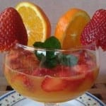 Coctel de jugo de naranja con fresas