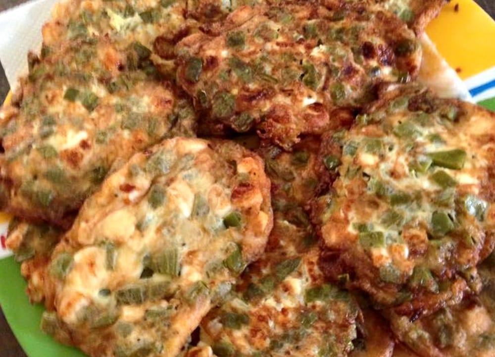 Receta de tortitas de nopal y queso panela recetas mexicanas for Cocinar nopal