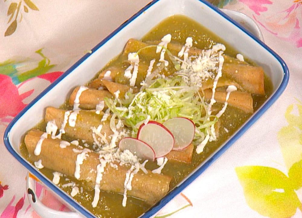 Receta de tacos dorados en salsa verde