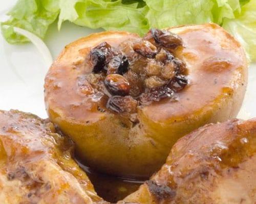 Pollo preparado en salsa de uvas pasas