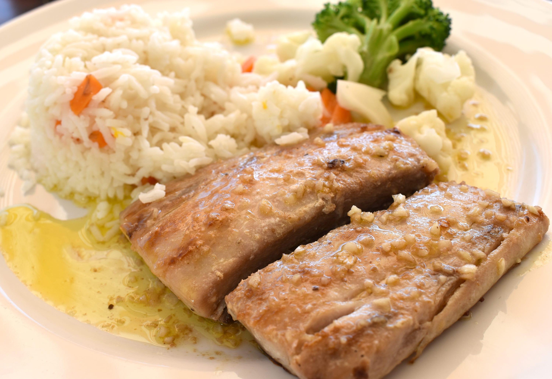 Receta de filete de pescado al mojo de ajo