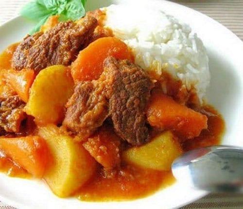 carne de puerco en salsa roja
