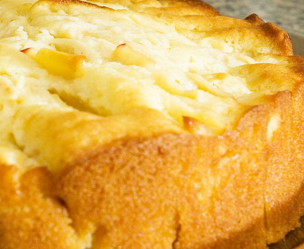 Preparando la tarta de queso con nueces