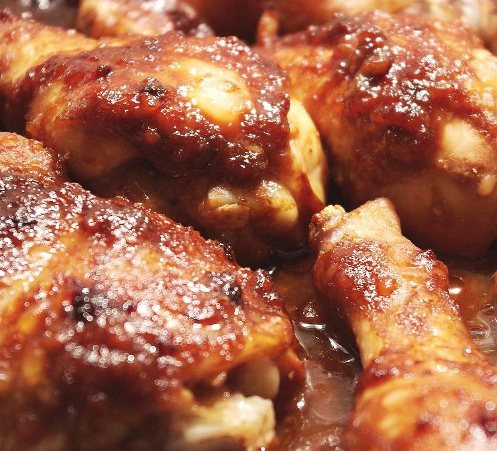 Preparando el pollo en salsa de tamarindo