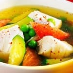 sopa de pescado y verduras estilo mexicano