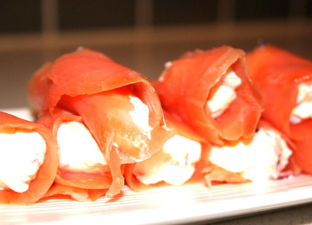 rollos de salmon ahumado