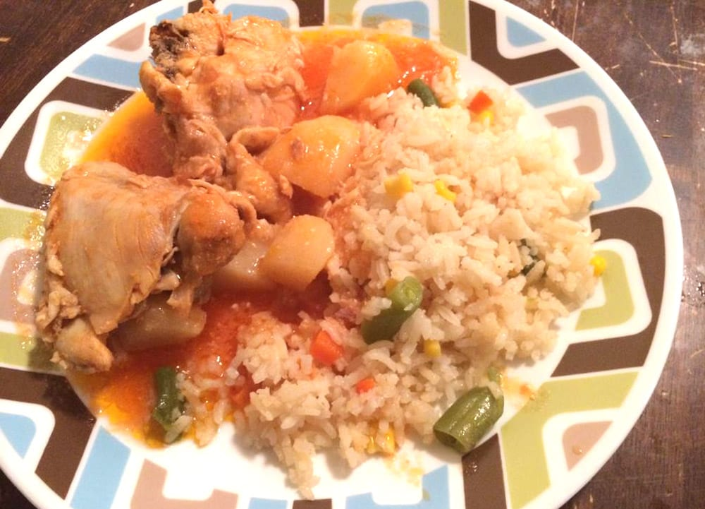 pollo entomatado con papas