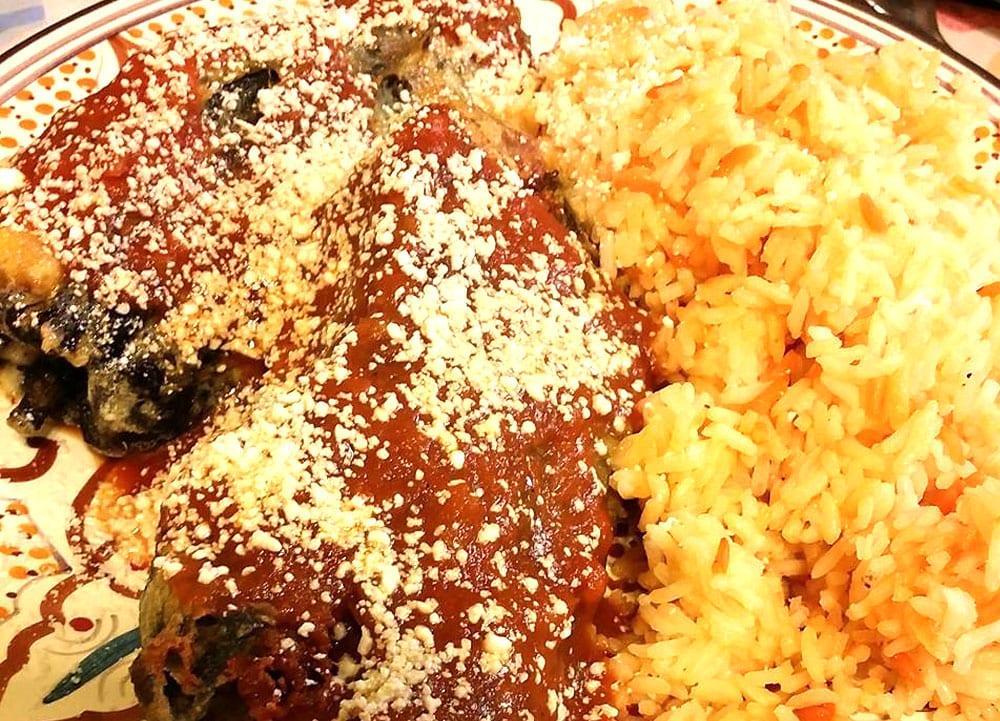 chiles rellenos de carne asada