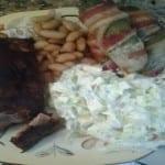 Costilla de cerdo adobada y chiles jalapeños con tocino
