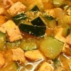 Sopa de calabacitas con pollo y arroz blanco