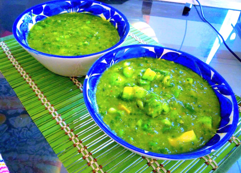 salsa verde con aguacate