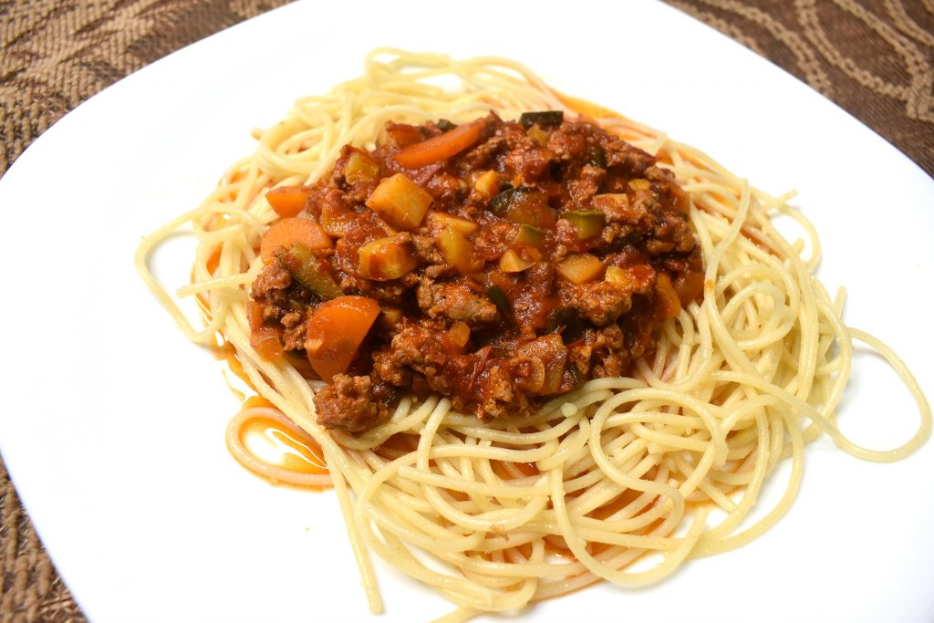 picadillo con espagueti